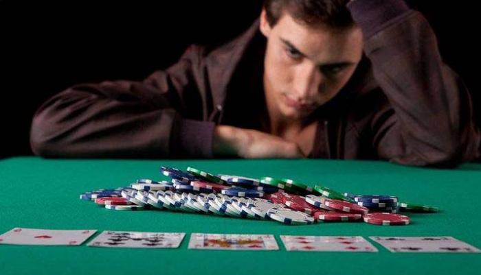 Cara Mengendalikan Emosi Bermain Poker Online